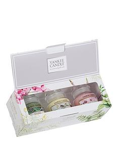 yankee-candle-pure-essence-gift-set