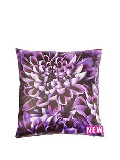 laurence-llewelyn-bowen-chrysanthemum-cushion
