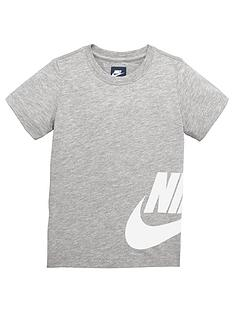 nike-younger-boy-side-futura-tee