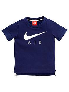 nike-air-younger-boy-logo-tee