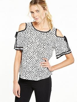 wallis-spot-cold-shoulder-top-monochrome