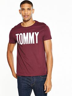 tommy-jeans-denim-logo-t-shirt