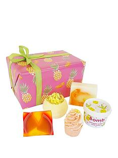 bomb-cosmetics-totally-tropical-gift-set