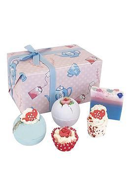bomb-cosmetics-time-for-tea-gift-set