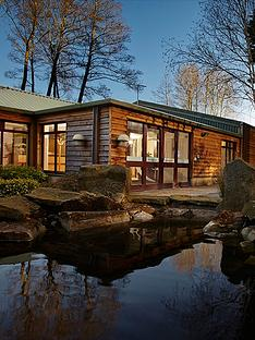 virgin-experience-days-one-night-cotswolds-break-with-dinner-for-two-at-the-fish-hotel