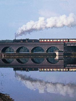 virgin-experience-days-charnwood-forester-first-class-steam-train-dining-experience-for-two-innbspleicestershire