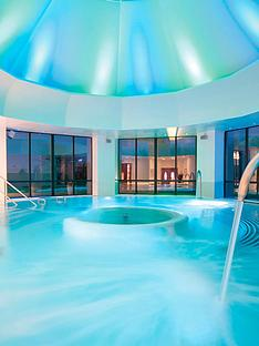 virgin-experience-days-one-night-spa-break-for-two-at-champneys-springs-or-henlow-grange-luxury-resorts