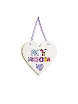 arthouse-patchwork-hearts-door-sign