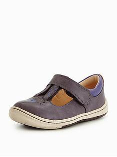 clarks-amelio-glo-first-shoe
