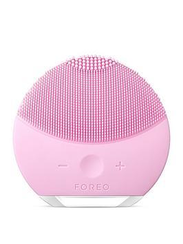 foreo-luna-mini-2-facial-cleansing-brush