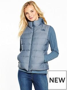 the-north-face-nuptse-vest-light-blue