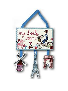arthouse-paris-with-love-wooden-room-sign