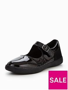 ugg-dorothea-patent-shoe
