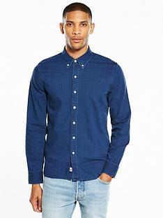 levis-long-sleeved-denim-shirt