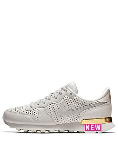 nike-internationalist-se-premium