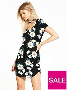 ax-paris-petite-keyhole-mini-dress