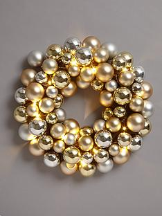 lit-bauble-christmas-wreath