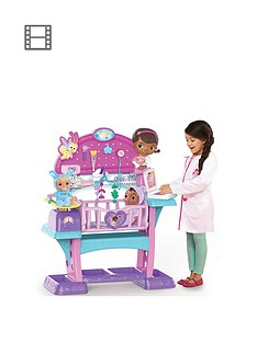 doc-mcstuffins-doc-mcstuffins-baby-checkup-all-in-one-nursery