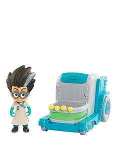 pj-masks-pj-masks-vehicle-amp-figure-romeo039s-lab
