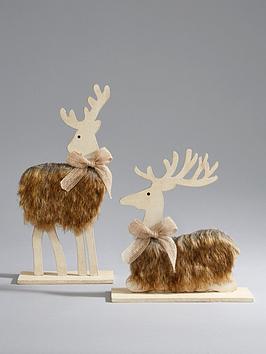 set-2-wood-reindeer-with-faux-fur