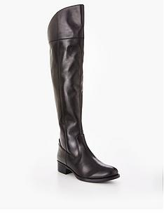 dune-teigen-clean-riding-boot