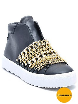 kendall-kylie-duke-chain-trainer