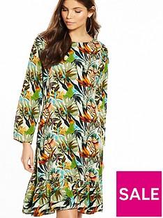 yas-tropical-print-long-sleeve-dress-with-fluted-hem