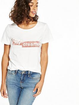 vero-moda-petite-daydreamer-t-shirt