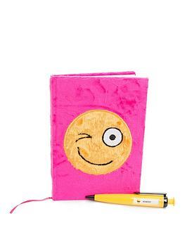 furry-notebook-and-predictor-pen-set