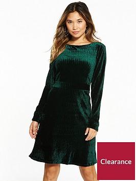 vila-sakko-long-sleeve-dress