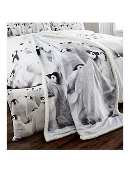 catherine-lansfield-snuggly-penguin-christmas-bedspread-throw