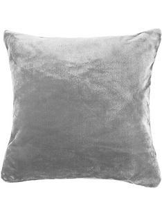 catherine-lansfield-raschel-cushion