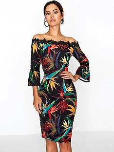 paper-dolls-dark-tropical-printed-bardot-lace-detail-dress