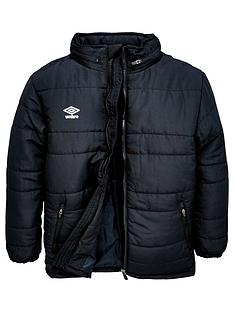 umbro-junior-club-essential-bench-jacket