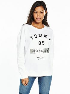 tommy-jeans-graphic-long-sleeve-knit-sweat-top-bright-white