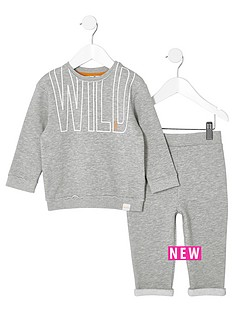 river-island-mini-boys-grey-sweatshirt-and-joggers-outfit