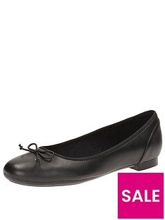 clarks-couture-bloom-wide-fit-ballerina-black