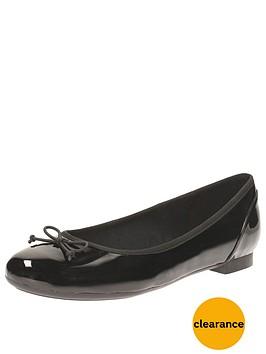 clarks-couture-bloom-ballerina-shoe