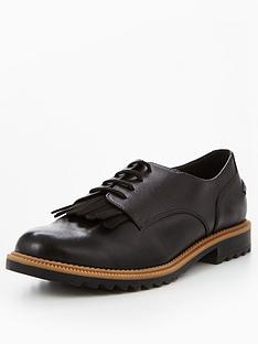 clarks-griffin-mabel-fringe-brogue-black