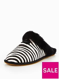 ugg-scuffette-ii-exotic-slipper