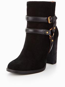Ugg Dandridge Ankle Boot