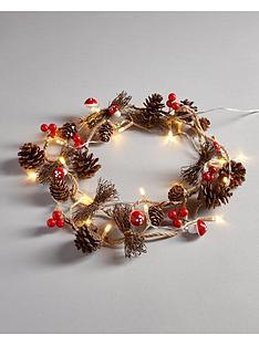 gisela-graham-cone-and-berry-christmas-lights