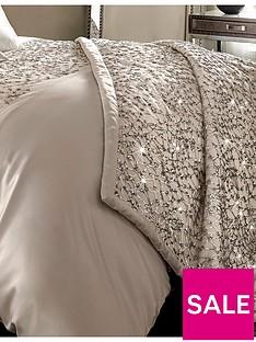 kylie-minogue-helene-bedspread-throw