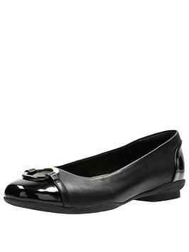 clarks-neenah-vine-black-ballerina-shoe