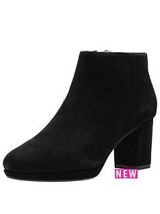 clarks-kelda-nights-platform-ankle-boot
