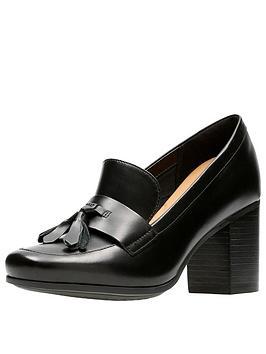 clarks-kensett-lea-tassle-heeled-shoe