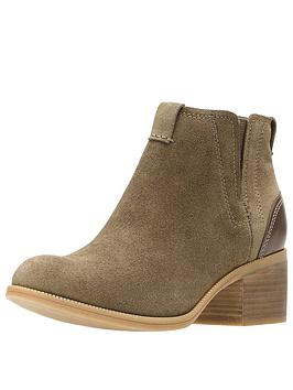 clarks-maypearl-daisy-casual-ankle-boot