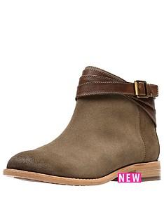 clarks-maypearl-edie-flat-ankle-boot