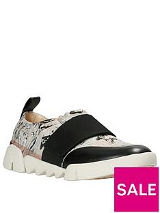 clarks-tri-gardenia-casual-shoe