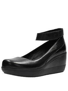 clarks-clarks-wynnmere-fox-wedge-ankle-strap-shoe